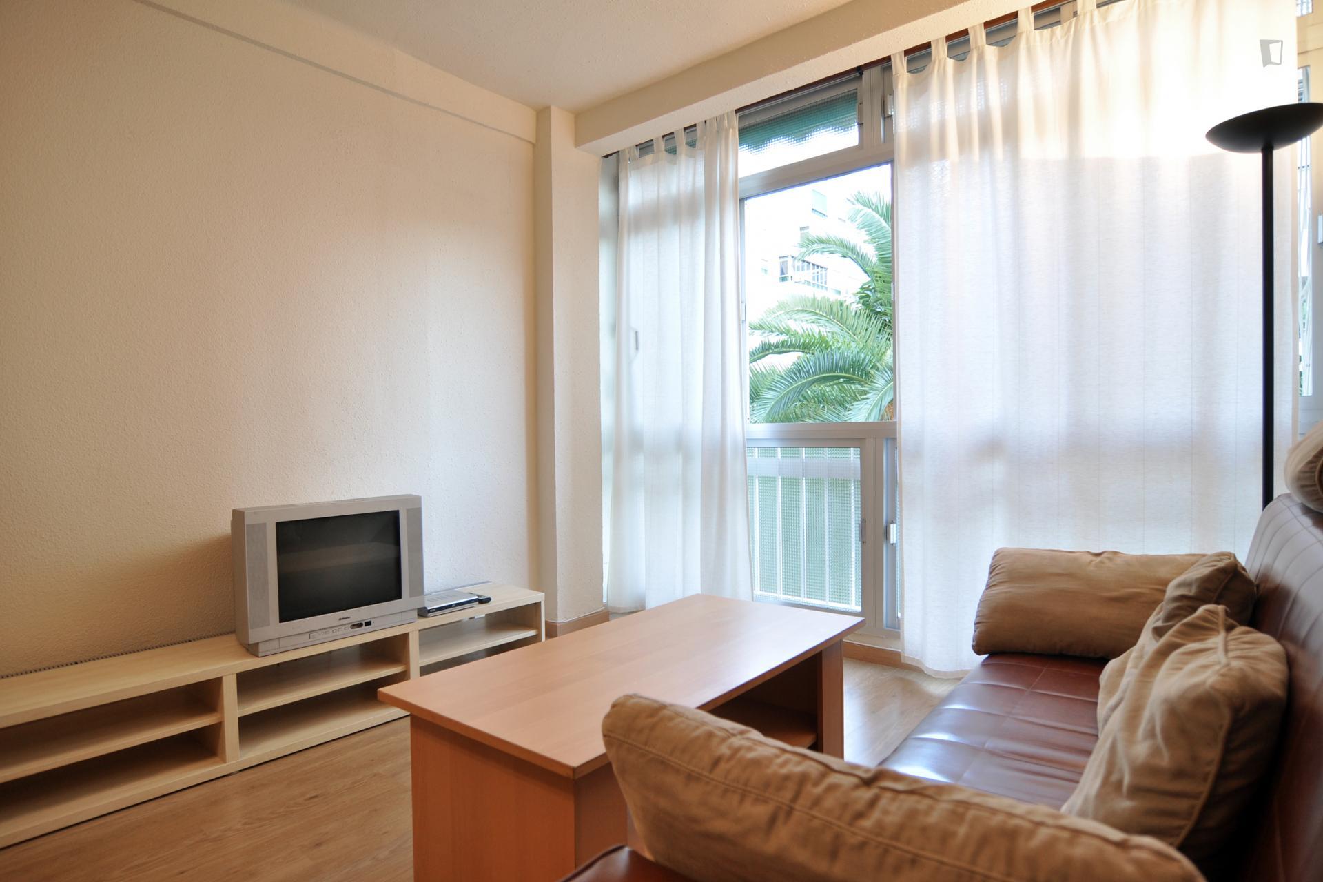 Gross- Gross- Gross- Comfortable 3 Bedroom flat in Malaga 3 Bedroom flat in MalagaComfortable 3 Bedroom flat in Malaga