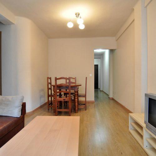 Gross- Comfortable 3 Bedroom flat in Malaga