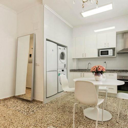Alicante room - Cool double bedroom in Alicante city center