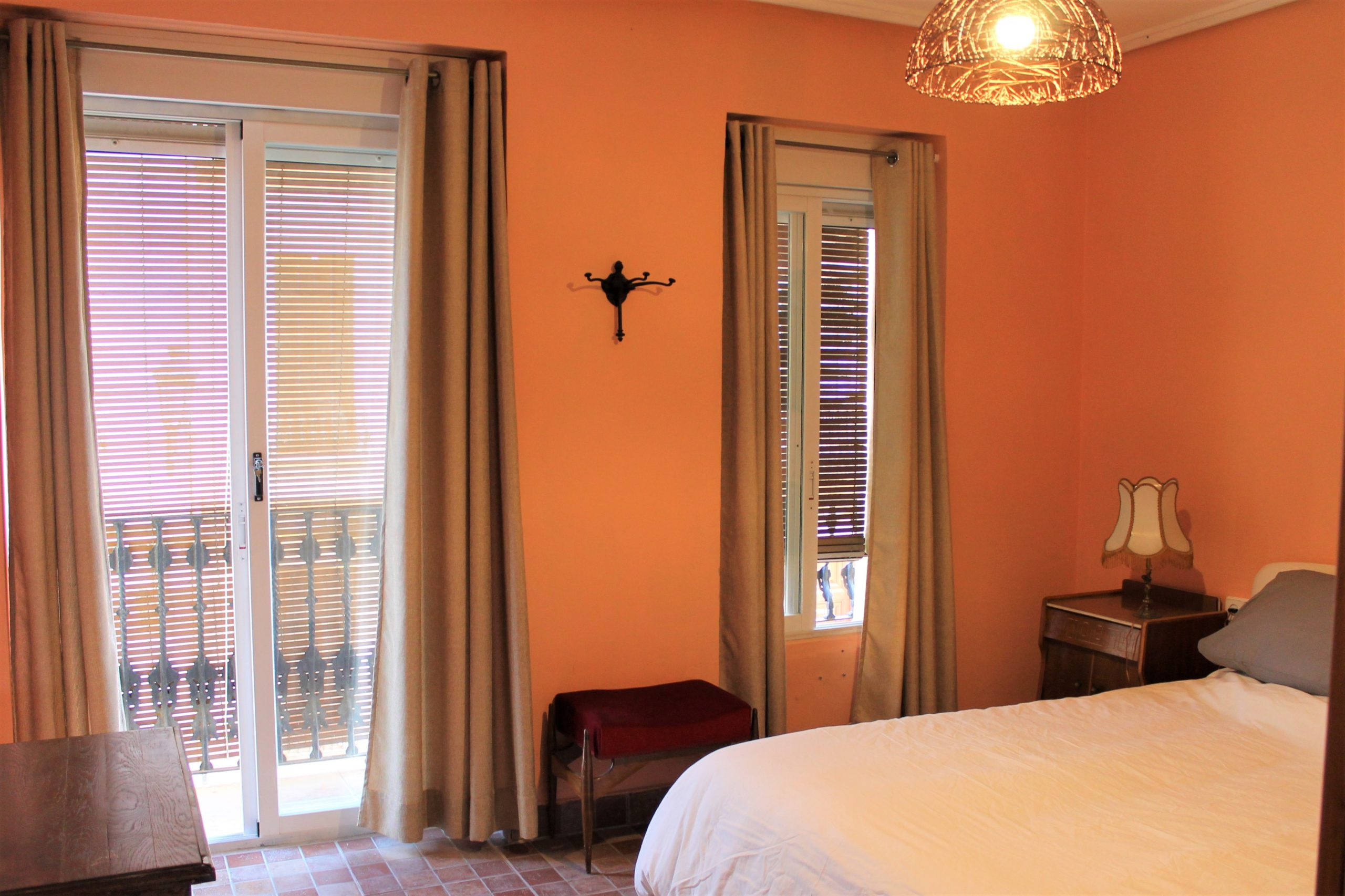 Nador – Fully equipped apartment in Valencia for expats