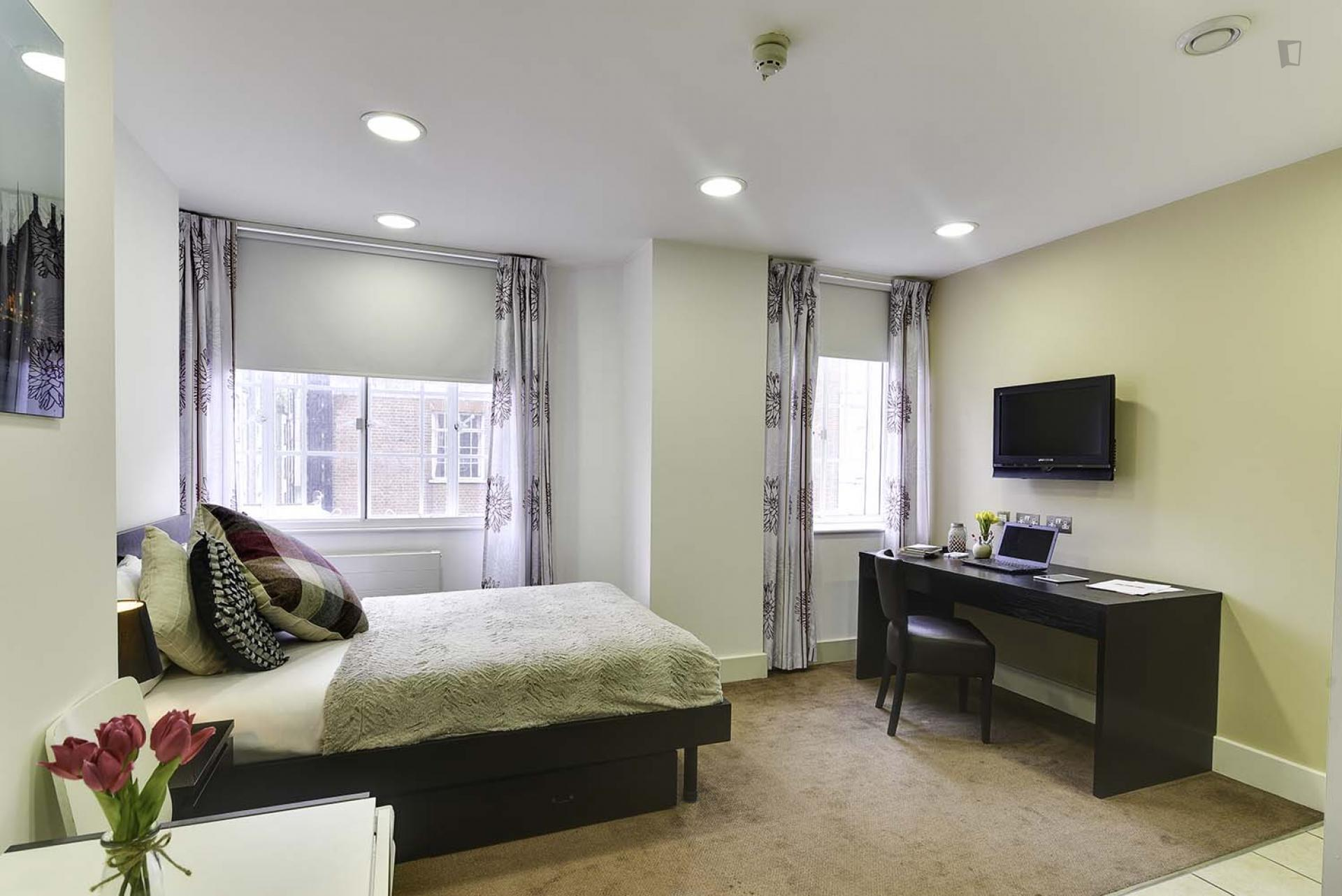 Devonshire - Luxury bedroom in London for expats