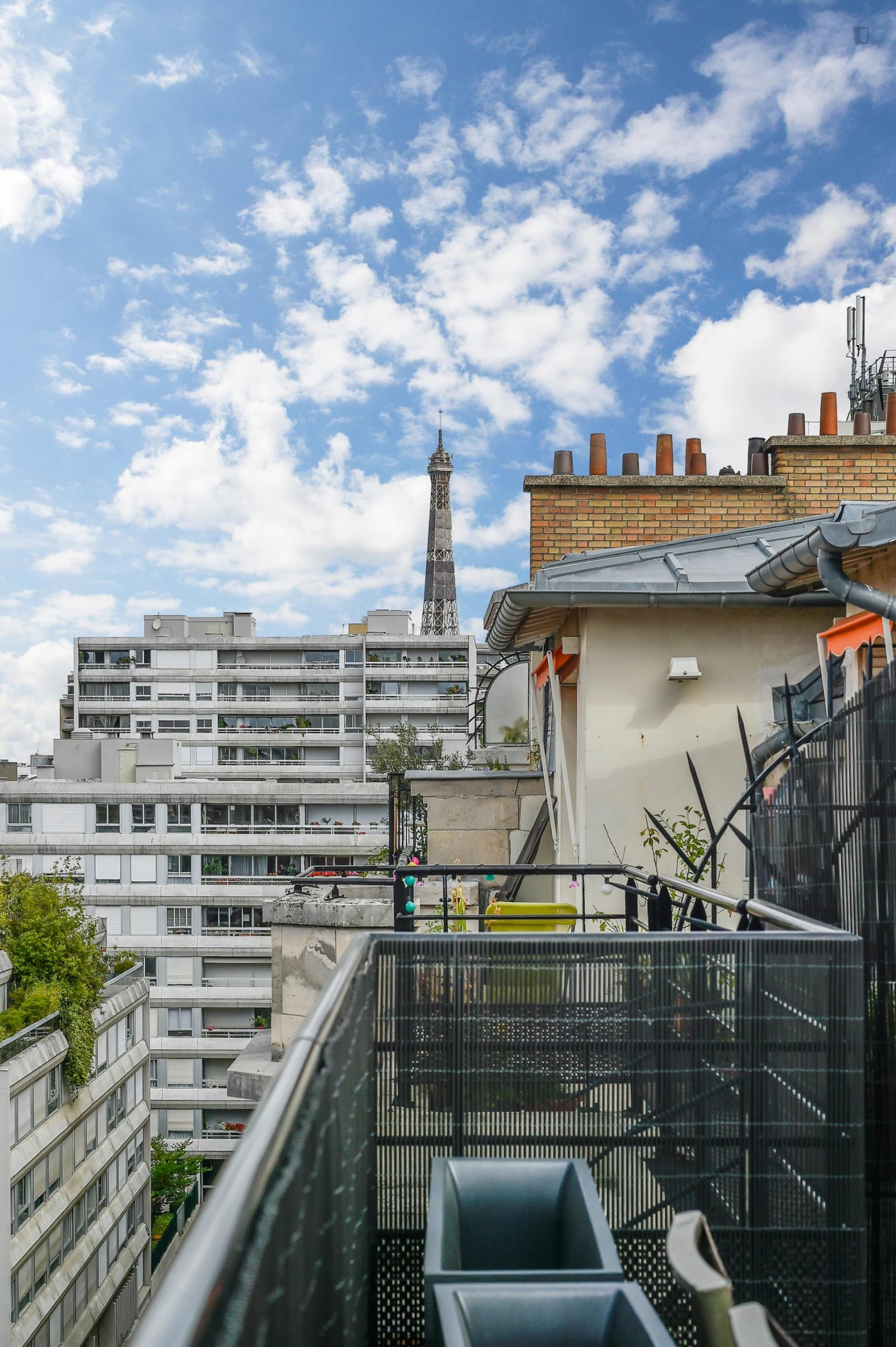 Modern studio apartment with a terrace in Paris